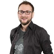 Łukasz Jarząbek - senior game designer